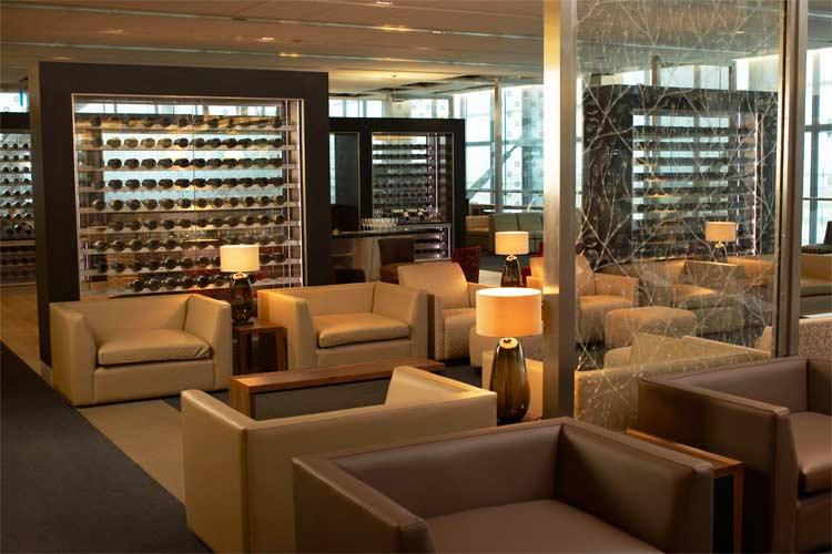 750x500-t5-galleries-first-lounge-BAT5FIR023-rt